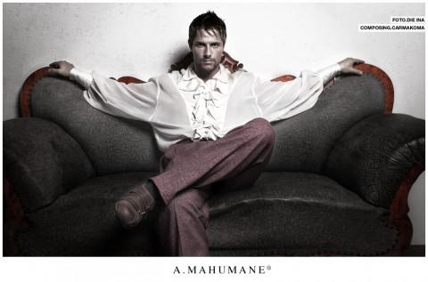ID-Photo_couch Enrique_mahumane-2007